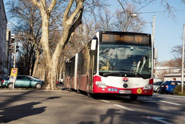 In einem Bus der Linie 63A wurden die Beamten auf den Mann aufmerksam.