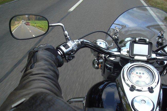 Der Motorradfahrer wurde bei dem Unfall getötet.