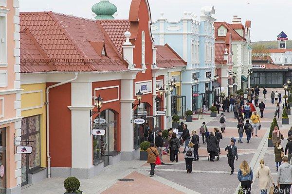 Mittlerweile gibt es rund 160 Shops in Parndorf