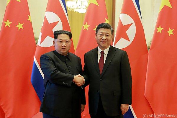 Xi Jinping (r.) bald auf Gegenbesuch?