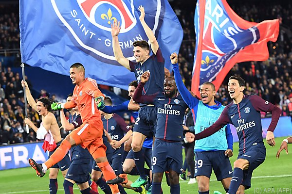 PSG-Spieler bejubeln den siebenten Meistertitel