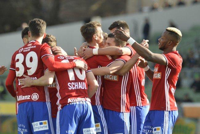 Rapid Wien siegt mit 4:2 über Mattersburg,