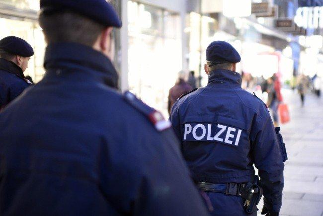 Die Polizei nahm zwei Männer fest.