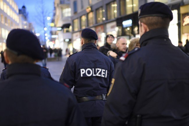 Ein Polizist wurde bei dem Einsatz in Favoriten verletzt.