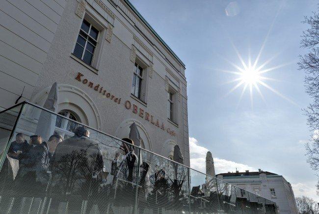 Die Kurkonditorei Oberlaa eröffnete ein Cafe am Wiener Zentralfriedhof.