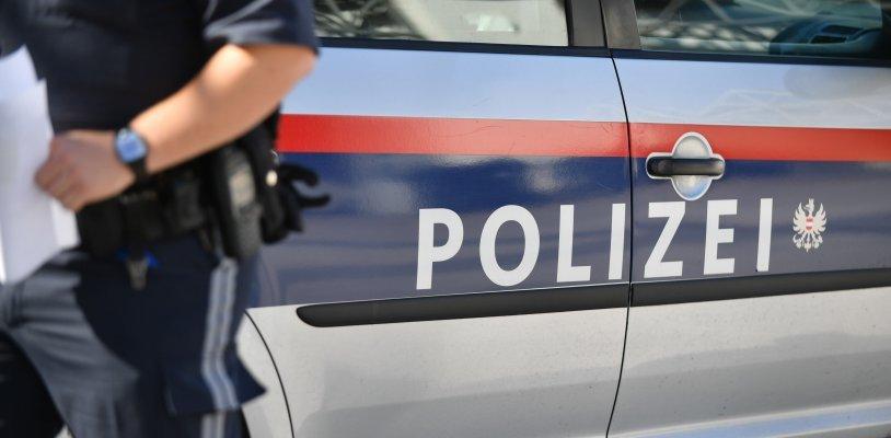 Betrunkener 23-Jähriger kracht in einen Polizeiwagen: Polizisten bei Unfall verletzt