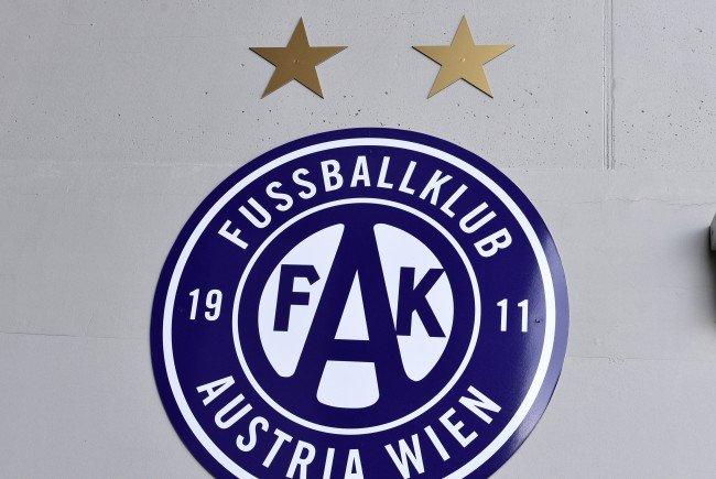 Im neuen Austria-Stadion soll rund um das Spielfeld ein violetter Kunstrasen verlegt werden.