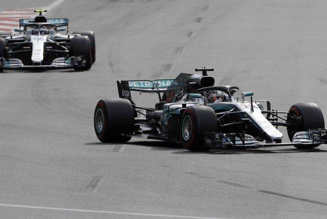 Sieg vor Räikkönen, Vettel nur Vierter - Beide Red-Bull-Piloten nach Kollision out.