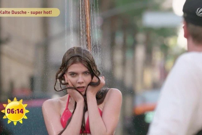 Öffentlich Duschen - Nicht für alle GNTM-Kandidatinnen ein leichtes Unterfangen.
