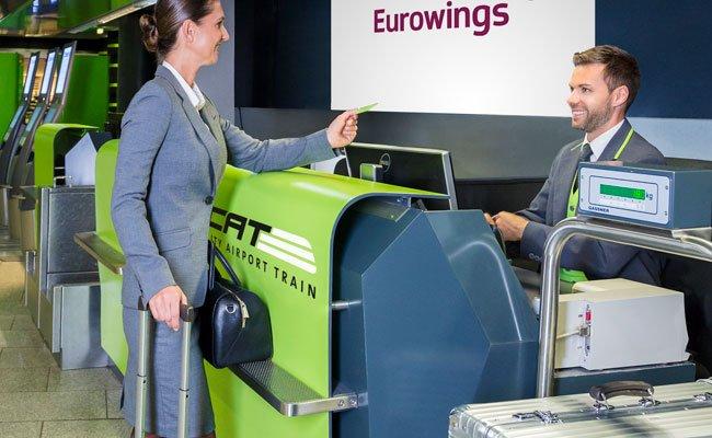 CAT-Ticket-Besitzer können nun auch schon in Wien Mitte ihr Gepäck abgeben und einchecken.