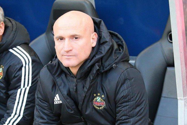 Cheftrainer Goran Djuricin bleibt Rapid Wien bestehen.