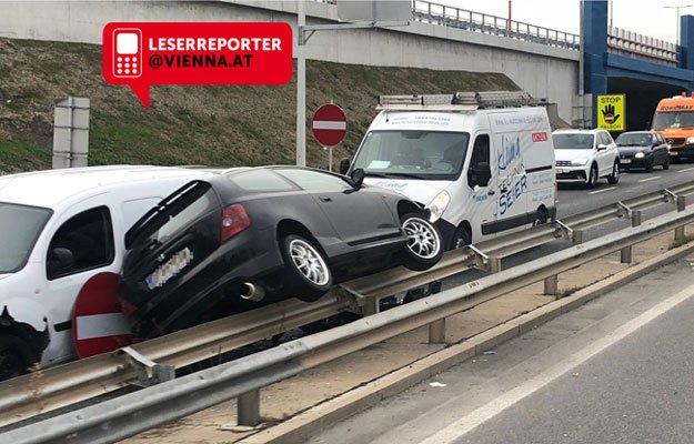 Der Unfall ereignete sich auf der Autobahnabfahrt in Wien-Donaustadt.