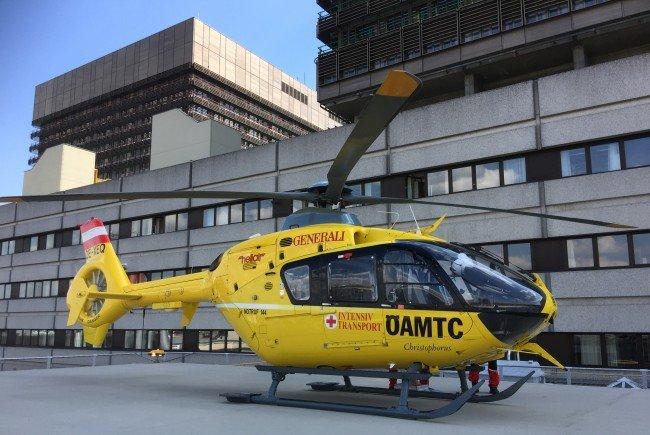 Der Verletzte wurde nach dem Unfall auf der Wiener Südosttangente ins AKH gebracht.