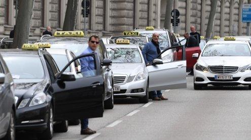 Taxifahrer demonstrierten in Wien gegen Konkurrenz-Anbieter