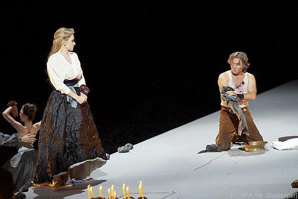 Elena Garanca als Dalila und Roberto Alagna als Samson bei der Probe