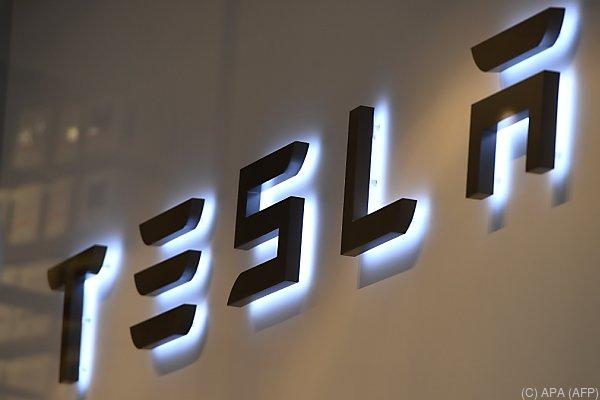 Tesla untersucht den Vorfall