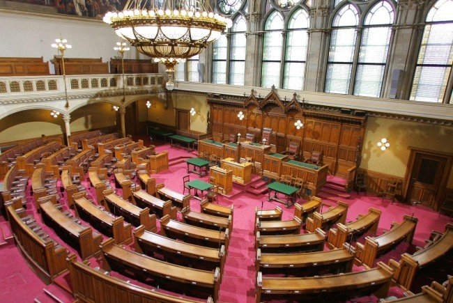 Das Thema Kriegsspiele in einer Wiener Moschee sorgt im Gemeinderat für Streit.