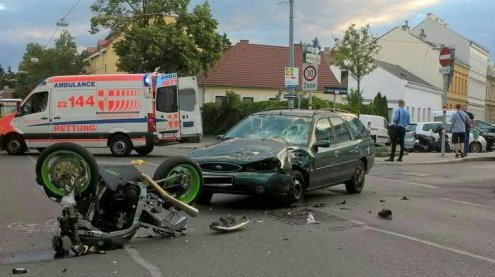 Baden:27-jähriger Motorradfahrer starb bei Zusammenstoß mit Pkw