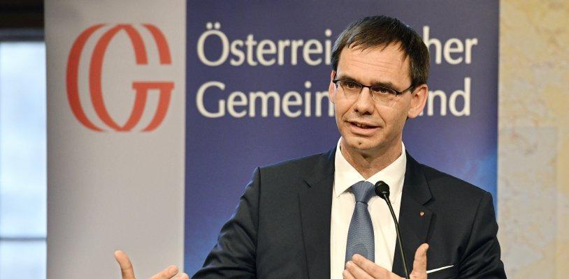 Pflege Regress: Erneuter Streit zwischen Bund und Länder um Pflegekosten