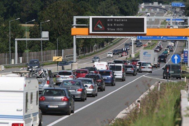 ARBÖ rät zu untypischen Reisezeiten um Staubildung am Pfingstwochenende zu vermeiden.