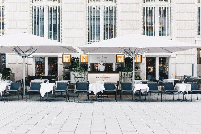 Das Park Hyatt Vienna hat seine Schanigarten-Saison eröffnet.
