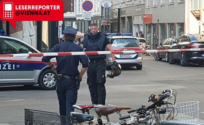 Beim Polizeieinsatz wurde ein verdächtiges Paket gefunden.