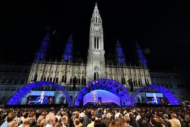 Auf den Wiener Festwochen wird ein besungener Religionskrieg aufgeführt.