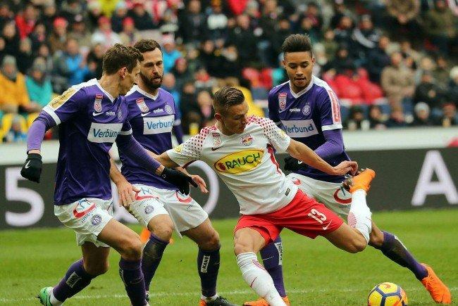 Austria Wien und Red Bull Salzburg spielen das letzte Saisonspiel in Wiener Neustadt.