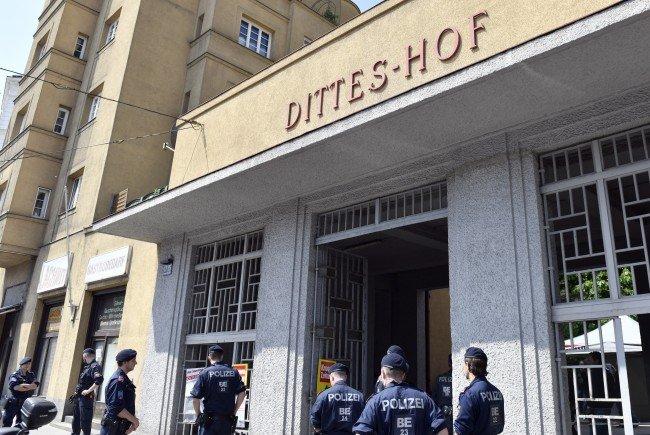Der Dittes-Hof in Wien-Döbling wird von Trauer überschattet.
