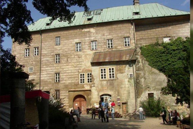 Um Die Burg Houska in Tschechien ranken sich etliche Mythen und schaurige Legenden.