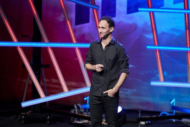 Gernot Kulis tritt mit seinem Kabarett-Programm in der Wiener Stadthalle auf.