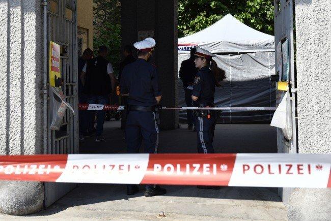 Die Ermittlungen nach dem Leichenfund eines Kindes in Wien laufen.