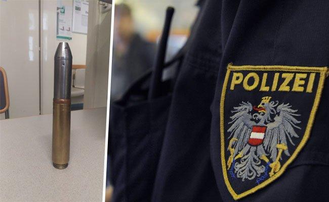 Dieses Kriegsrelikt brachte der Mann in eine Wiener Polizeiinspektion.