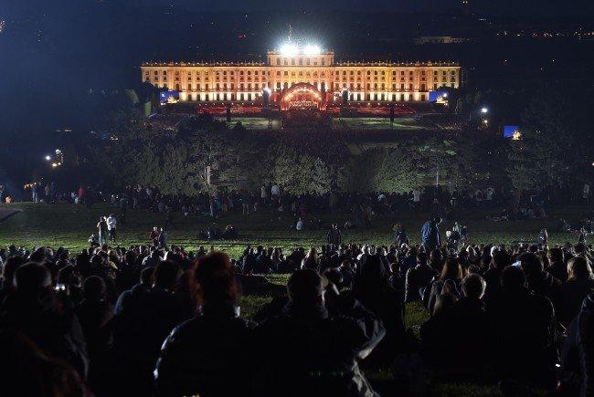 Hier sehen Sie das Wiener Sommernachtskonzert LIVE.