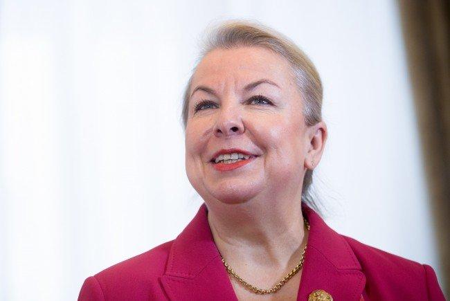 """Gesundheitsministerin Hartinger-Klein will das """"Mystery Shopping"""" in Arztpraxen abschaffen."""