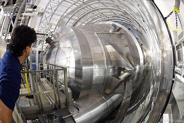 Waage soll Gewicht von Neutrinos bestimmen helfen