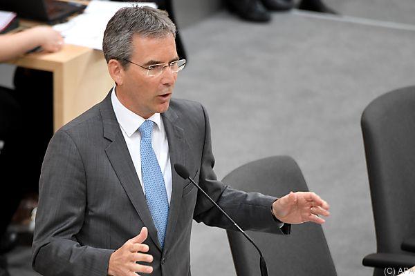Finanzminister Löger glaubt nicht an das Nulldefizit