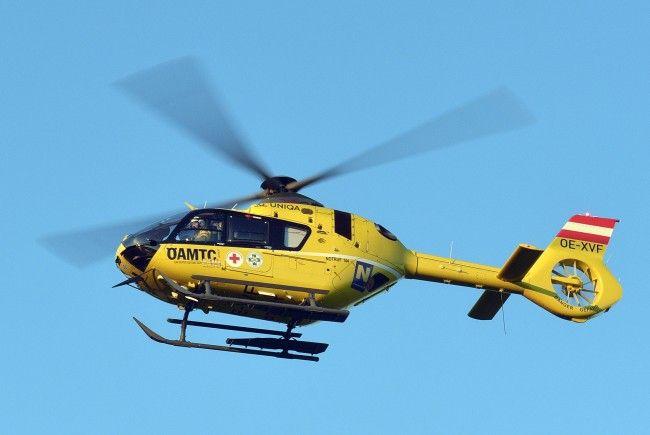 Der junge Mann musste mit dem Notarzthubschruber in das UKH Linz geflogen werden.