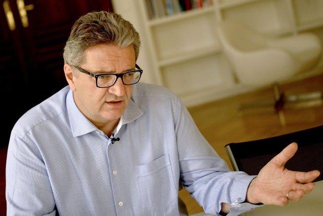 Peter hacker nennt das KH Nord als einen Grund für die Verschiebung der KAV-Reform.