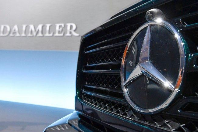 Illegal oder nicht? Die Behörden und Daimler streiten um die Abgasreinigung.