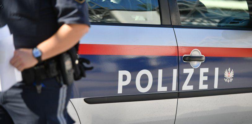 Polizeieinsatz in Wien-Ottakring: Serbien-Fans randalierten und sorgten für Sperren