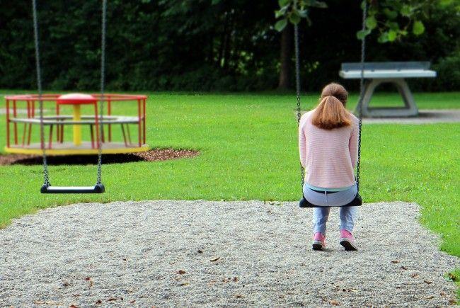 Der Mann entblößte sich auf Spielplätzen und onanierte vor den Kindern.