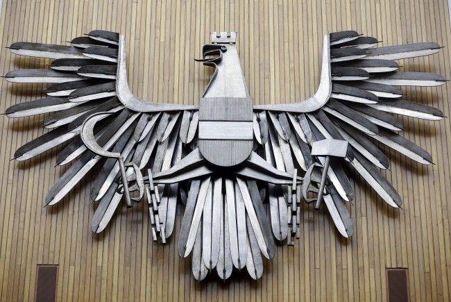 Der Wappenadler im Parlament in Wien wiegt stolze 650 Kilo.